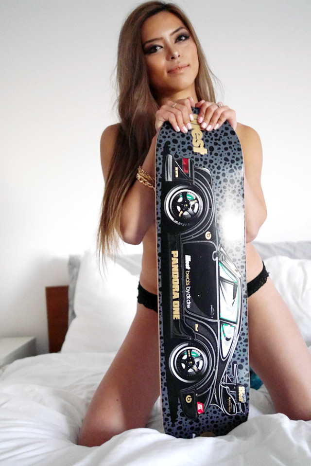 jenny_illest_rwb_skate_deck