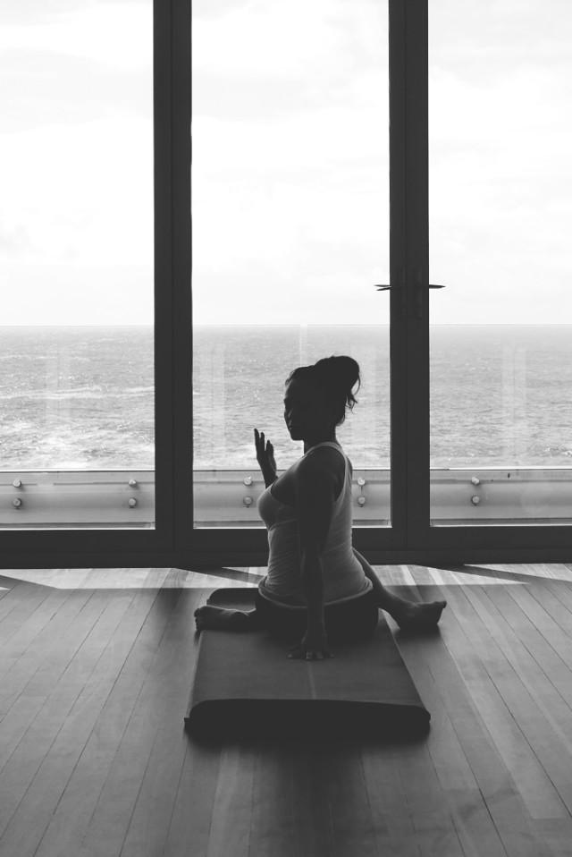 paulinenguyen_redlantern_yoga_justinfox_06