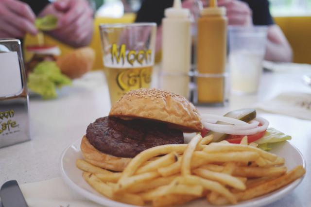 moon_burger