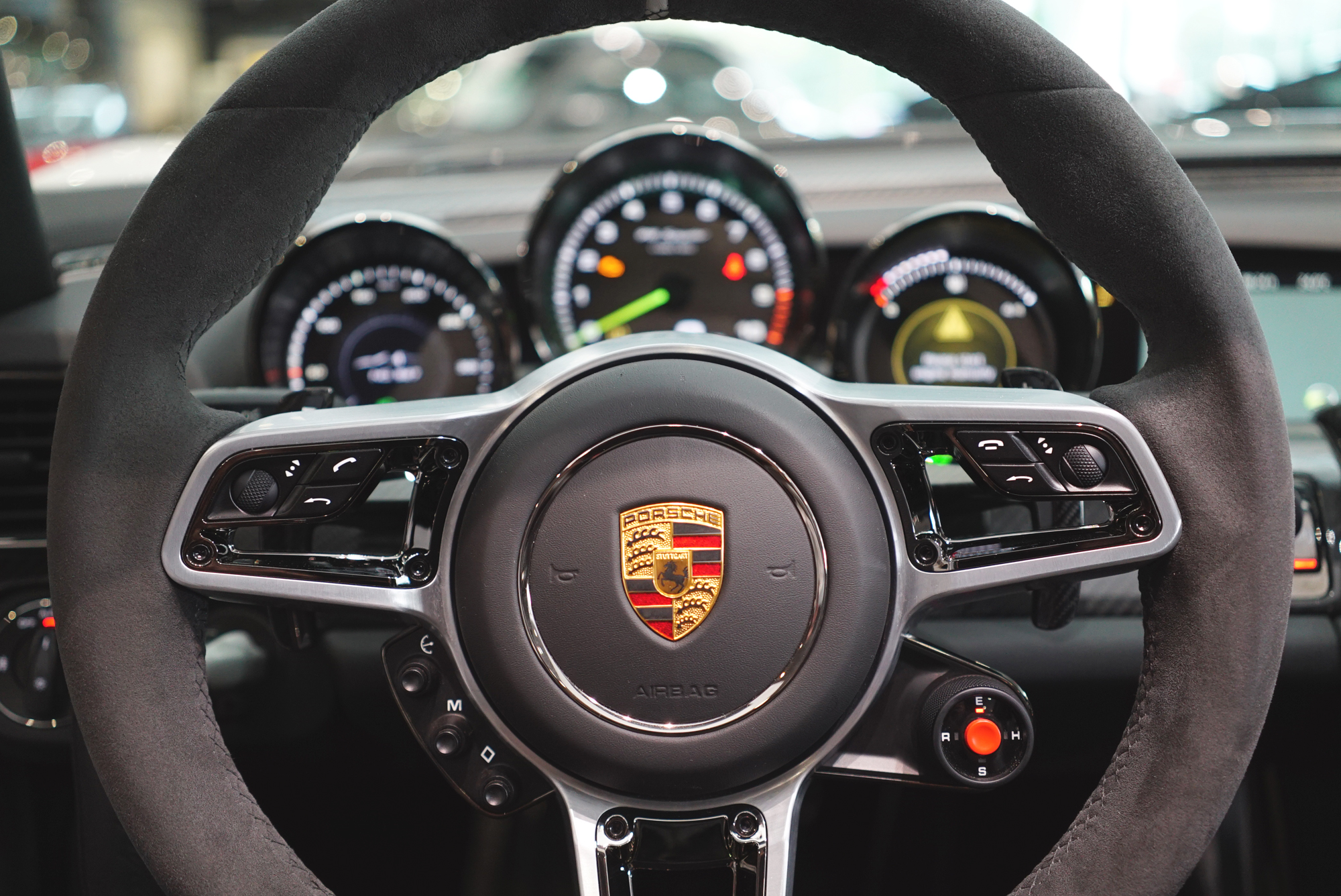 One on one time with the 918 spyder justin fox - Porsche 918 interior ...