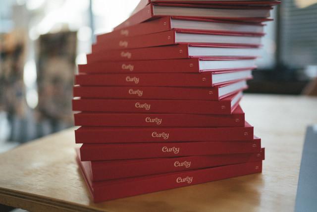 curvy_books