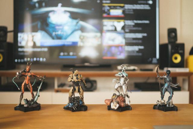 warframe_statues