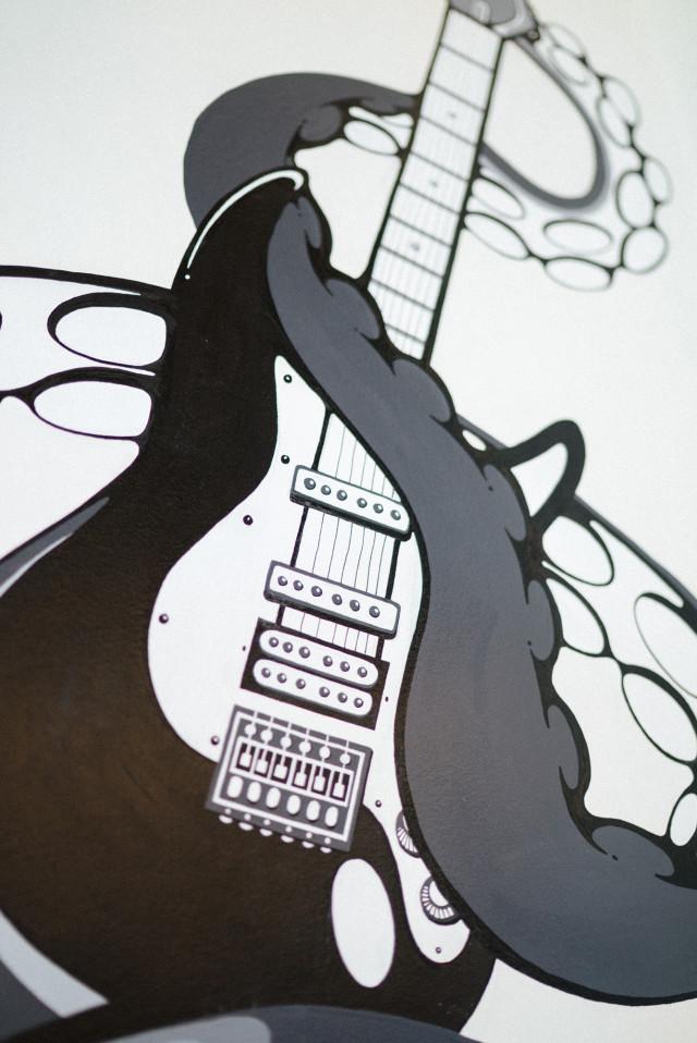 mullenlowe_nanami_cowdroy_guitar
