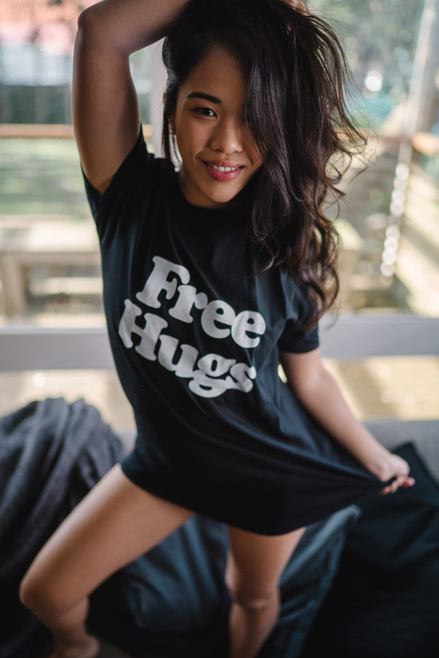 viviennelaw_justinfoxau_freehugs_38