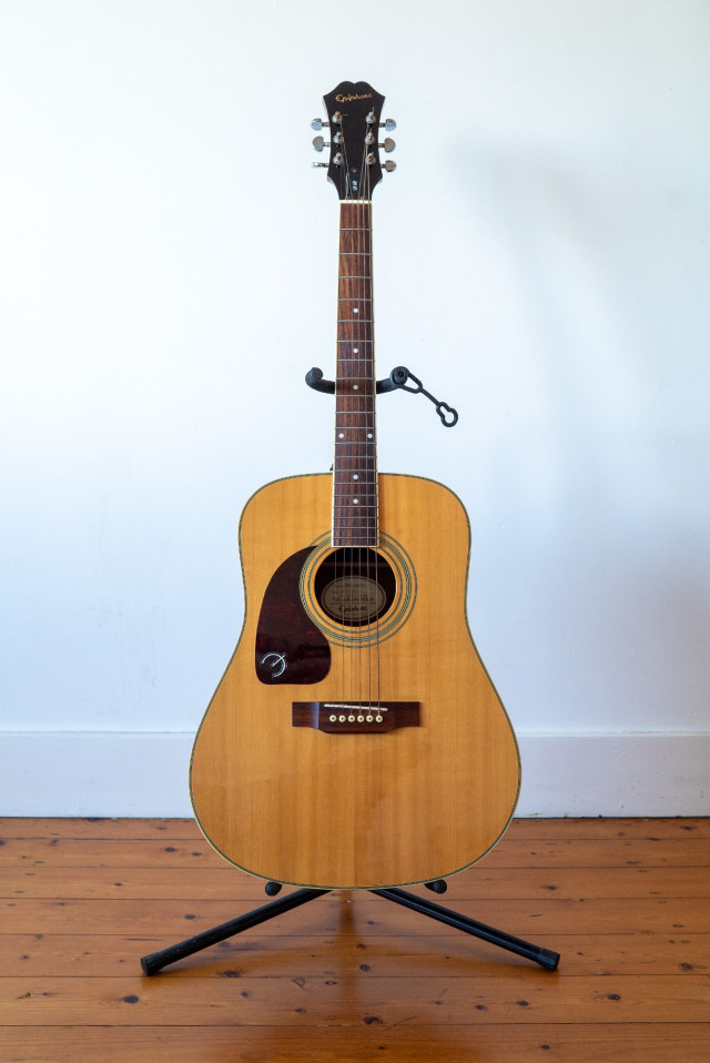 Epiphone_DR-200S