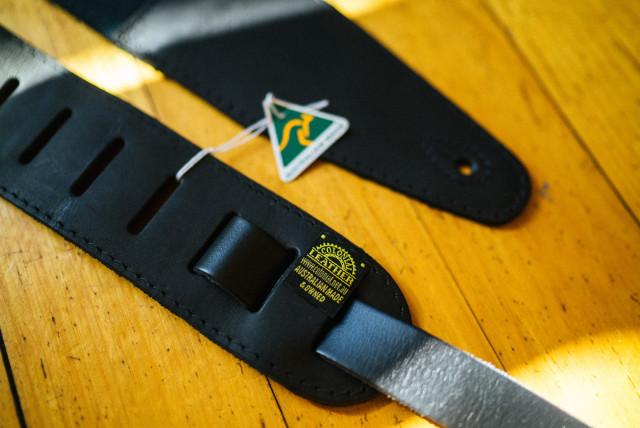 colonial_guitar_strap